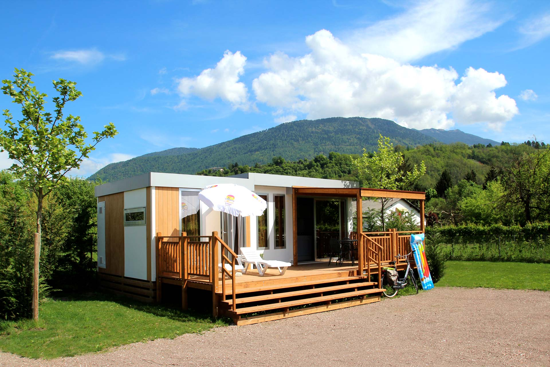 Villa l 39 avanguardia della casa mobile in trentino for Trentini mobili