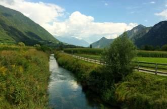 Ciclabile pianeggiante fiume